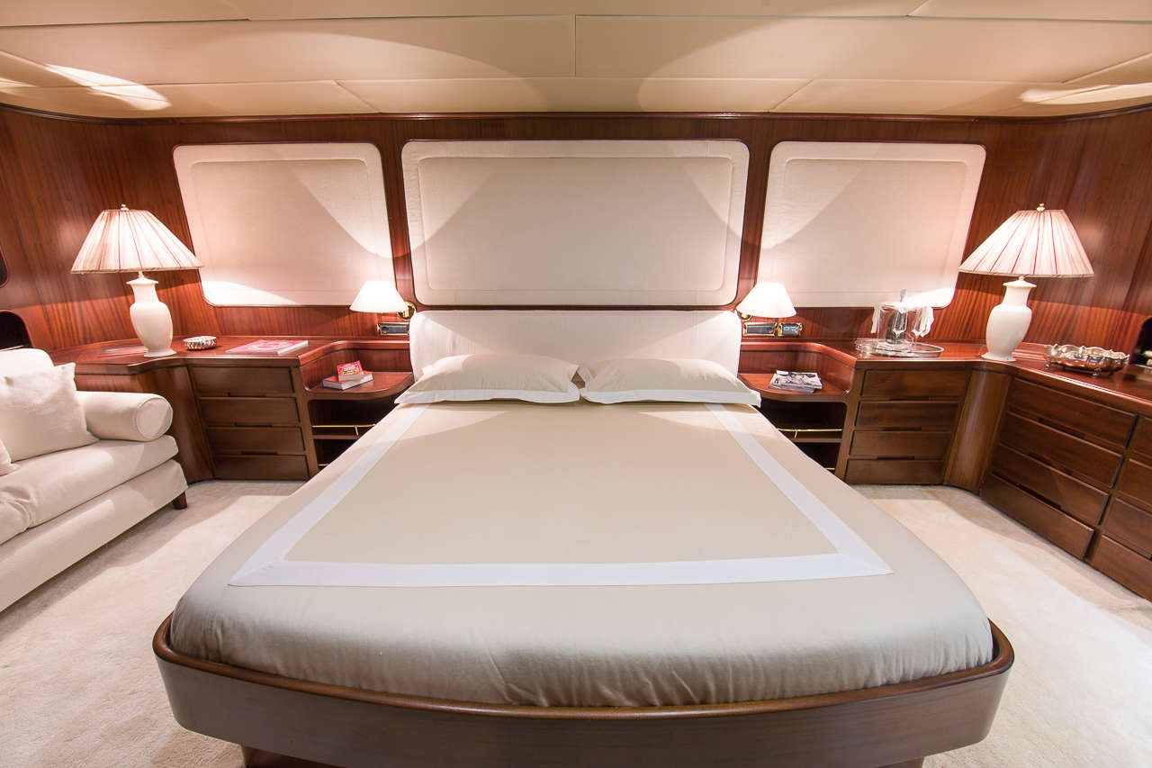 VIP bed | India