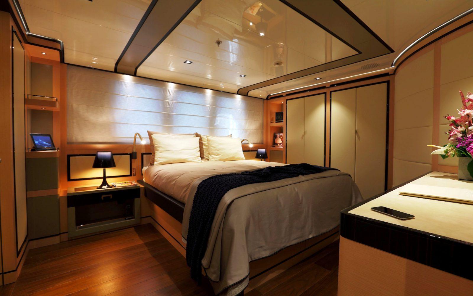 2 LADIES double bed stateroom | 2 LADIES