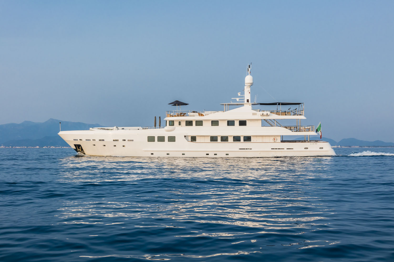Luxury yacht for Charter | OUT by AMTEC