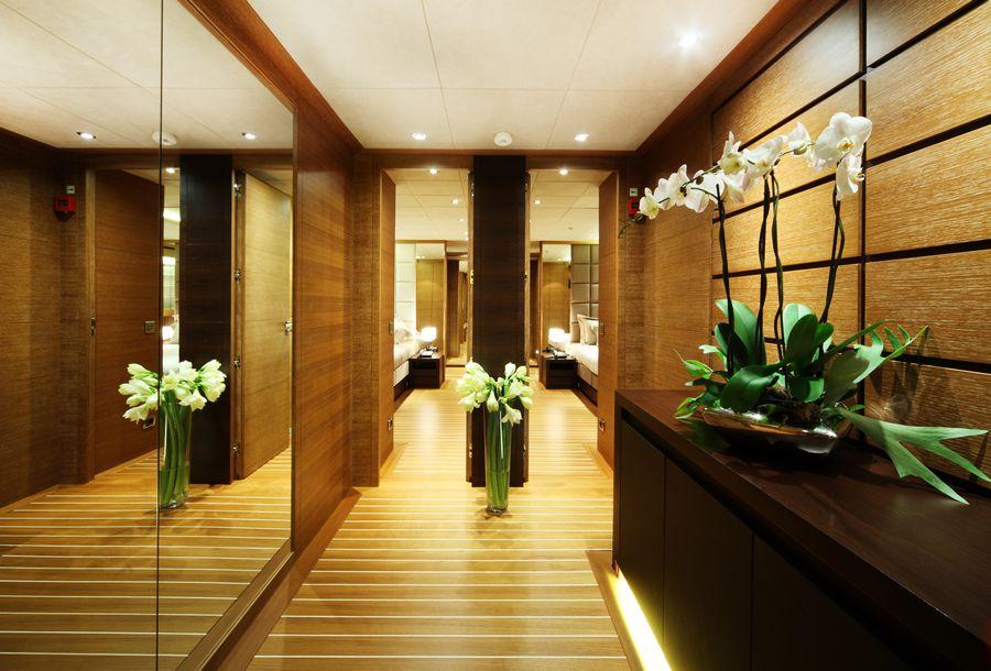 Interior   Zaliv III