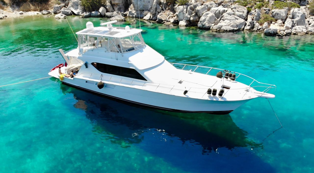 Luxury yacht for Sale   BAAB by Hatteras Yachts